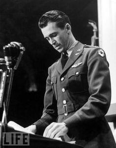 Lieutenant Jimmy Stewart Addresses the First Wartime Oscars, 1942 jimmi stewart, hollywood stars, jame stewart, movie stars, actor winner, philadelphia, academy awards, james stewart, major star