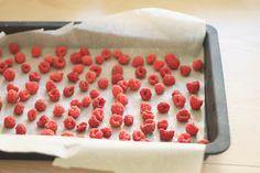 "Congelarea fructelor ""bob cu bob""   Lifestyle Blog Preserving Food, Canning Recipes, Preserves, Lifestyle Blog, Raspberry, Frozen, Bob, Fruit, Canning"