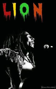 Image Bob Marley, Bob Marley Art, Rasta Art, Bob Marley Legend, Bob Marley Pictures, Nesta Marley, Reggae Music, Green And Gold, Peace And Love