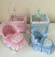 This is the carrier for Callie and her twin brother Kalub Barbie House Furniture, Baby Furniture, Furniture Sets, Miniature Dollhouse Accessories, Miniature Dolls, Barbie Doll House, Barbie Dolls, Cool Diy, Accessoires Barbie