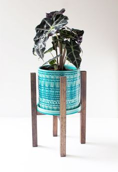 completed diy plant stand