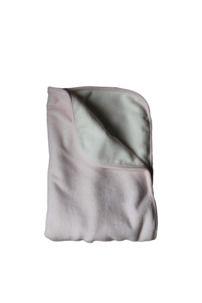Sammetsfilt soft pink | Littleheart - ekologiska bäddset och filtar för baby Barn, Fashion, Moda, Converted Barn, La Mode, Barns, Fasion, Fashion Models, Trendy Fashion