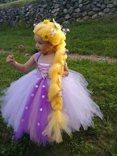 Rapunzel Halloween Costume, Tangled Costume, Halloween Costumes For Kids, Scarecrow Costume, Tutu Costumes, Costume Dress, Disney Inspired Dresses, Rapunzel Wig, Rapunzel Birthday Party