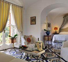 Sirenuse-Hotel-Positano-by-the-Sea-Italy-