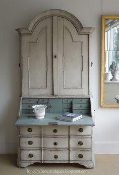 Rococo Style Swedish secretary - Gustavian furniture history