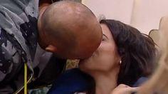 Stefano Bettarini bacia Alessia Macari al Grande Fratello Vip