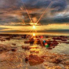 """"""" ...Canta dança nesta ciranda Sonha de novo sem temer Vai à cidade  Leve a notícia deste amanhecer... """"  Música: Amanhecer (campanha da fraternidade) Foto: Audrey Asselin  @OlhardeMahel @loupidou77 #sol #luz #bomdia #alvorada #amanhecer #imagem #fotografia #fotógrafos #foto #aniversário #fevereiro #13defevereiro #olhardemahel #pimagens #sun #light #sunrise #sunrisepic #picture #photo #pic #birthday #february #february2017"""