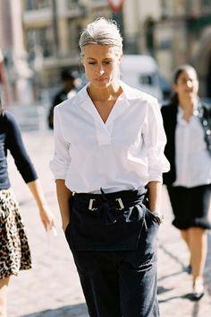 white shirt | black pants | street style | Vanessa Jackman