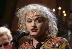 Gwen Stefani pictures and photos Young Gwen Stefani, Gwen Stefani Music, Gwen Stefani No Doubt, Gwen Stefani Style, 00s Fashion, Fashion Sewing, Gwen Stefani Pictures, Album, Female Images