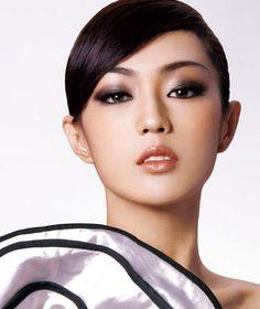 nice make up Sexy Makeup, Beauty Makeup, Makeup Tips, Hair Makeup, Hair Beauty, Makeup Products, Maquillage Cut Crease, Cut Crease Makeup, Asian Makeup Monolid