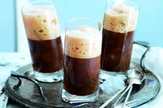 Frappé | Apetitonline.cz Ham, Smoothies, Pudding, Coffee, Drinks, Tableware, Food, Syrup, Smoothie