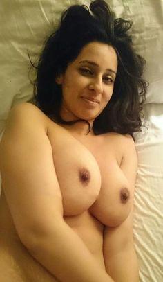 Jeune fille nudiste