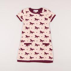 Vestido de punto estampado de caballos de marca H&M. Talla 4 años. 4,95€ #modainfantil http://www.quiquilo.es/catalogo-ropa-segunda-mano/vestido-de-punto-estampado-de-caballos-de-marca-hm-en-color-rosa.html