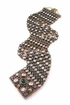 Emerald Bracelet by Amrapali.
