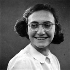 Margot Frank, 1941. Margot Frank, Anne Frank, Famous Aquarians, Old Photos, Wwii, History, Anna, Reality Quotes, Historia