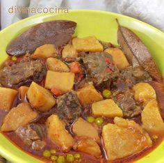 En esta receta tradicional de estofado de ternera podemos sustituir las patatas por arroz, o freírlas y añadirlas al guiso al final mezclando con la salsa, a tu gusto.