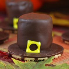 This is an incredible collection of edible Thanksgiving crafts for kids! They just get cuter and cuter!