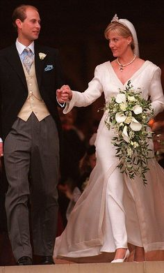 Countess of Wessex and Prince Charles: The Queen and Duke of Edinburgh's youngest son, Prince Edward, married Sophie Rhys-Jones at St George's Chapel, Windsor, on 19 June 1999 Famous Wedding Dresses, Royal Wedding Gowns, Royal Weddings, Bridal Gowns, Windsor, Countess Wessex, Royal Brides, Royal Jewels, Royal Fashion