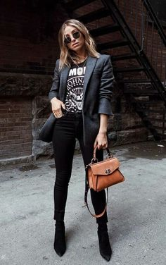 via blazer and jeans outfit weekday look entrepreneur ensemble girl boss business fashion minimalist style graphic t-shirt Business Outfit, Business Casual Outfits, Professional Outfits, Edgy Outfits, Mode Outfits, Jean Outfits, Business Fashion, Rock Chic Outfits, Black Outfits