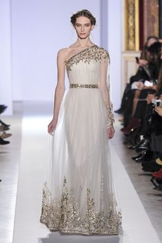 Zuhair Murad - Haute Couture Spring Summer 2013 - Shows - Vogue. Zuhair Murad Haute Couture, Couture Fashion, Runway Fashion, Greek Goddess Dress, Grecian Goddess, Evening Dresses, Prom Dresses, Bridal Dresses, Saab