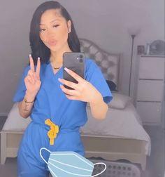 Nursing Goals, Nursing Student Tips, Nursing Tips, Nursing Students, Nurse Aesthetic, Bad Girl Aesthetic, Cute Nursing Scrubs, Stylish Scrubs, Beautiful Nurse