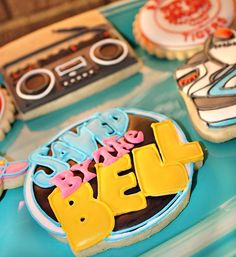 Saved By The Bell Dessert Table ----- wouldnt a saved by the bell cake be funny and nastolgic