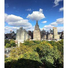 http://washingtonsquareparkerz.com/happy-to-be-inside-chilly-crispday-fall-newyork-washingtonsquarepark-empirestatebuilding-clouds-fallcolors/   Happy to be inside #chilly #crispday #fall #newyork #washingtonsquarepark #empirestatebuilding #clouds #fallcolors