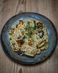 new #GennarosTuesdaySpecial started this week in @jamiesitalianuk across the UK. This months its a beautiful creamy wild mushroom risotto with pancetta parmesan rosemary and thyme. Available every Tuesday throughout October! by jamieoliver #haxenhaus #people #food