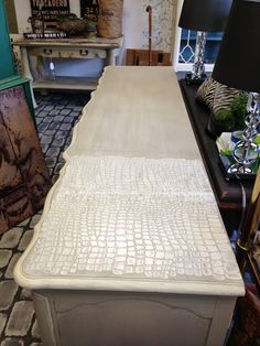 Pearl Plaster by Artisan Enhancements has been flying out the door at our shop. This dresser might be why! I created a crocodil...