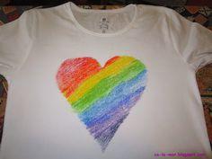 Personaliza tus remeras o camisetas con crayones y haz un diseño como este ♥