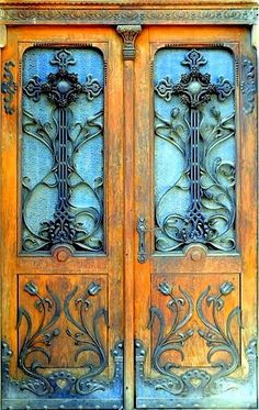I just like this (Castle Door); and it would make a great quilting design![ SpecialtyDoors.com ] #rustic #hardware #slidingdoor Cool Doors, The Doors, Unique Doors, Windows And Doors, Front Doors, Grand Entrance, Entrance Doors, Doorway, House Entrance