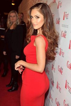 Minka Kelly Photos - Actress Minka Kelly attends the Heart Truth's Red Dress Collection 2012 Fashion Show at Hammerstein Ballroom on February 2012 in New York City. - The Heart Truth's Red Dress Collection 2012 Fashion Show - Red Carpet Red Dress Makeup, Dress Red, Red Makeup, Hair Makeup, Redhead Makeup, Brunette Makeup, Dress Black, Tight Dresses, Woman Crush