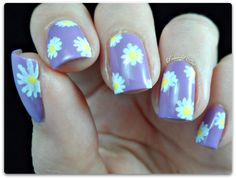Daisy nail art with SEVENTEEN Gel Colours