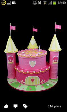 Castle cake pink