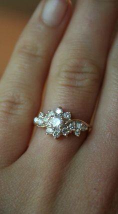 9 Best Vintage Engagement Rings
