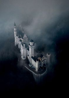 """utwo: """" Neuschwanstein Castle © K. Beautiful Castles, Beautiful Places, Neuschwanstein Castle, Castle In The Sky, Photos Voyages, Abandoned Castles, Medieval Town, Most Visited, Places To Visit"""