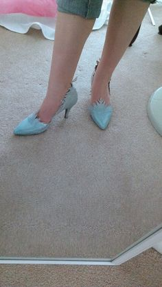 Totally awesome Elsa shoes!