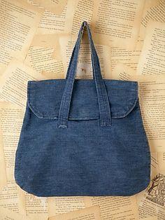 Vintage denim bag Only Jeans, Love Jeans, Fabric Bags, Denim Fabric, Denim Crafts, Jean Crafts, Jean Purses, Diy Bags Purses, Denim Handbags