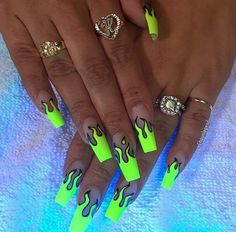 We love neon nails because of their creative colors. The neon nail designs not only shine under the Bright Summer Nails, Summer Acrylic Nails, Best Acrylic Nails, Bright Nails Neon, Neon Nail Art, Bright Acrylic Nails, Bright Nail Art, Colorful Nail Art, Glow Nails