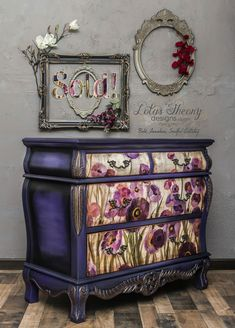 Funky Painted Furniture, Decoupage Furniture, Refurbished Furniture, Paint Furniture, Repurposed Furniture, Unique Furniture, Shabby Chic Furniture, Furniture Projects, Furniture Makeover