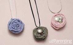 Easy DIY fabric flower necklace