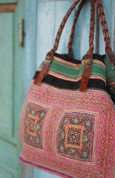 ..a bohemian colorful sac ..☮