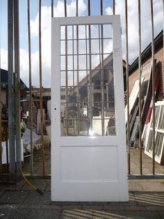 Oude deur met glas 100.90.101344 - Leen - Oude bouwmaterialen, 5000 oude deuren, paneeldeuren, kamer en suite schuifdeuren, voordeuren, glas-in-lood deuren, portaaldeuren, ramen, marmeren schouwen, wasbakjes, fonteintjes, balusters, antiek, curiosa