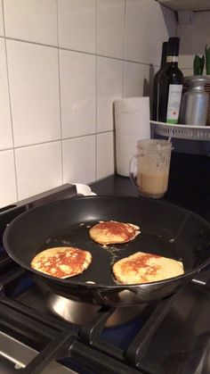The Perfect Pancake! The Perfect Pancake! Healthy Cheat Meals, Healthy Snacks, Healthy Recipes, Post Workout Food, Pre Workout Snack, Post Workout Breakfast, Clean Eating Snacks, Healthy Eating, Gluten Free Recipes For Breakfast