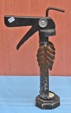 CAULKING GUN BIRD -143 - Steve Meadows - Possum County Folk Art Gallery