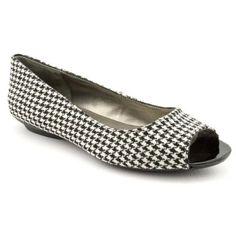 Bandolino Wilimena Womens Size 9 Black Open Toe Textile Flats Shoes Bandolino. $27.99