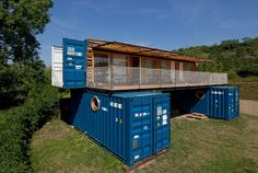 Containhotel / Artikul Architects | ArchDaily
