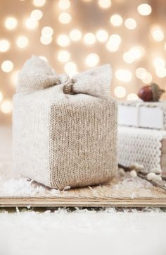 Knitted gift wrap! ♥