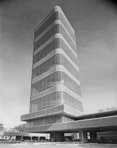 AD Classics: SC Johnson Wax Research Tower / Built by Frank Lloyd Wright in Racine, United States 1950. Images by Ezra Stoller/Esto.