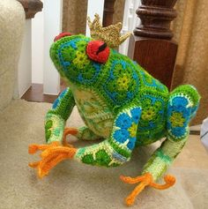 DIY Crochet African Flower Pattern Frog Prince - Crochet Craft, Crochet Animal, Crochet Frog